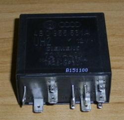 Relais Nr. 377 Steuergerät Wisch-Wasch-Intervallautomatik 4B0955531A VW Audi (60)